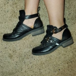 Chunky Cut Out Shoe